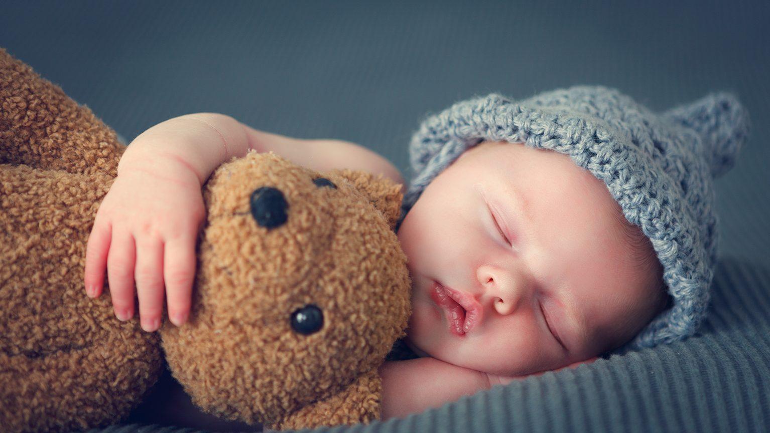 テディベアと赤ちゃん