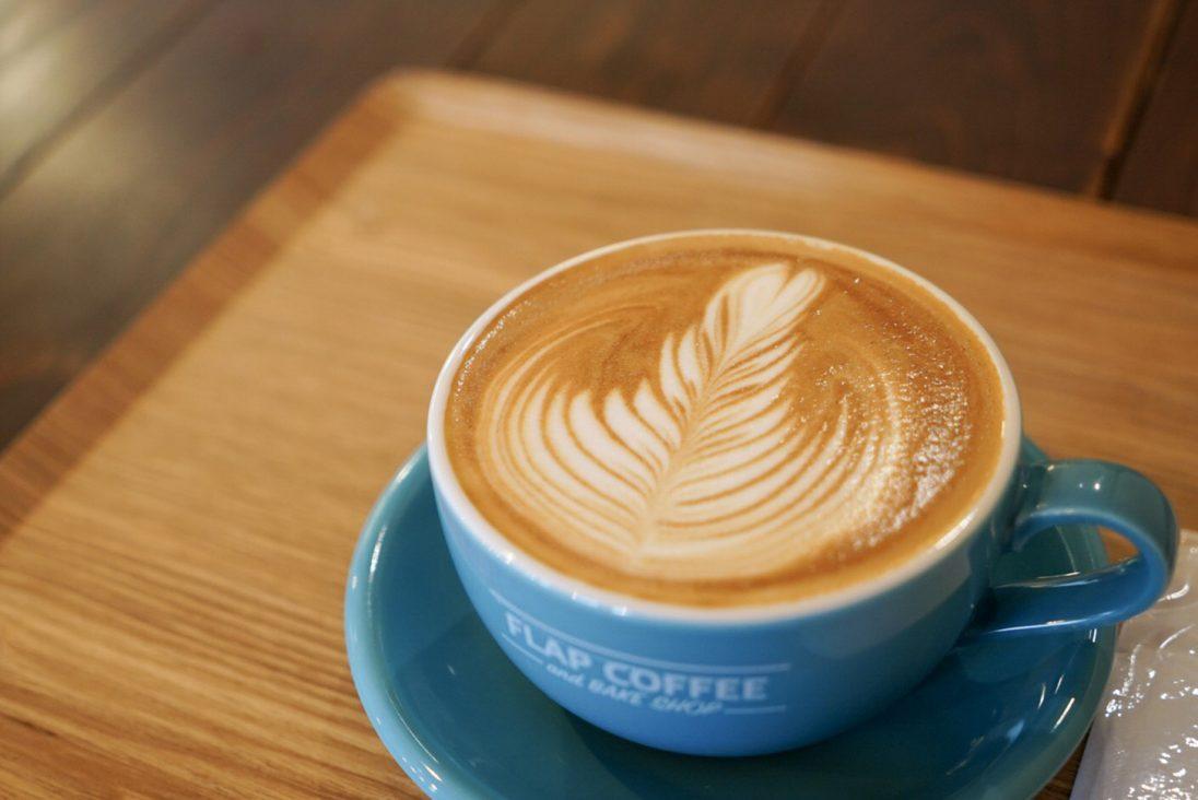 FLAP COFFEE and BAKE SHOP(フラップコーヒーアンドベイクショップ)のカフェラテ